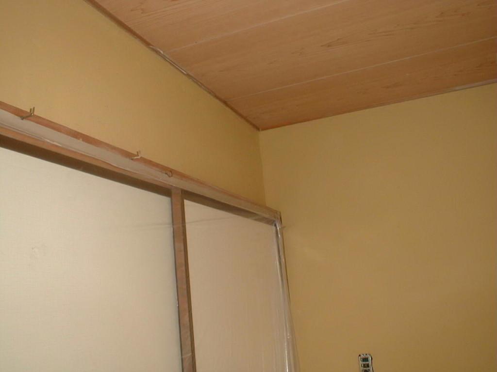 改修後の室内も状況です。土壁は、室内環境を豊かにします。
