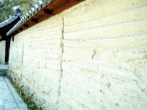 法隆寺の版築土塀