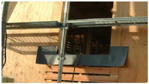 耐力壁とする合板下地と小幅板の併用部分。