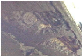 かぶり厚不足で鉄筋が錆びてコンクリートの剥離している状態です。