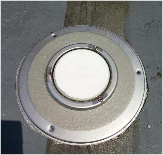 ウレタン防水層の膨れを防ぐ脱気盤
